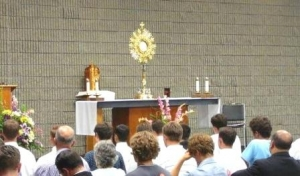 adorazione_eucaristi